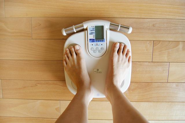 体組成計で体脂肪率を量る