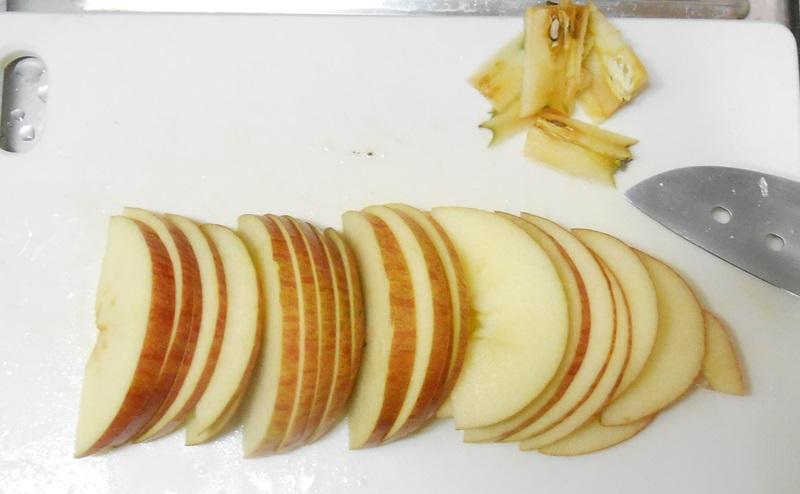 りんごをすべてスライス切りする