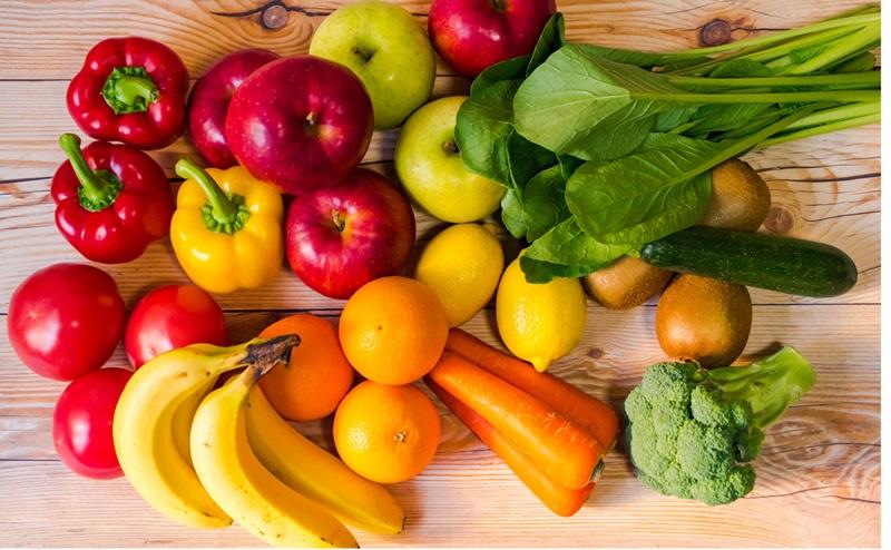 野菜や果物の原料が多い粉末スムージーを選ぶ