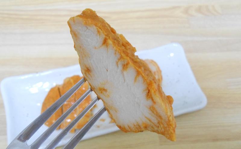 【ファミリーマート】サラダチキン「タンドリーチキン風」を食べる