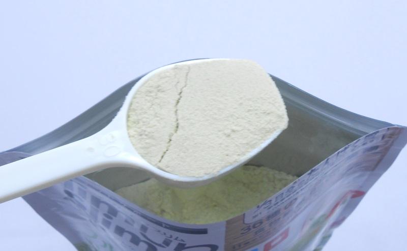 スリムアップスリム 野菜シェイクの粉末をすりきり一杯分