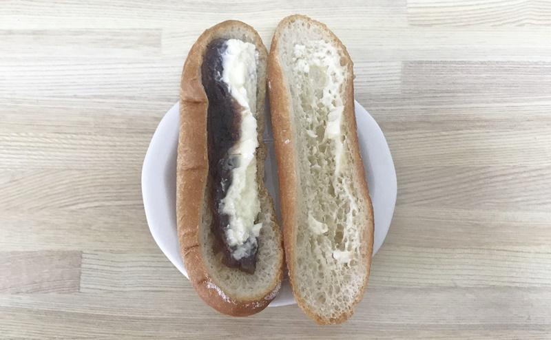 【ローソン】もち麦のあんフランスパンの中身