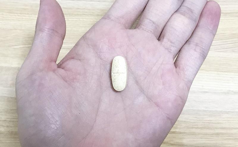 【ネイチャーメイド】スーパーマルチビタミン&ミネラルの粒の大きさ