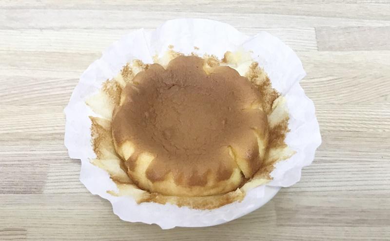 【ローソン】しっとりカステラケーキの紙